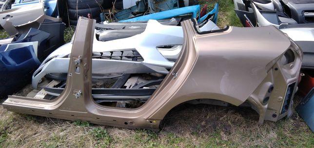 Volvo V40 XC40 Slupek Blotnik Cwiartka Tyl Lewy Prawy