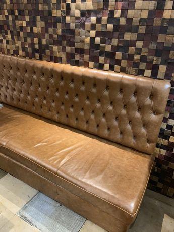 Sofá de parede em pele verdadeira Chesterfield