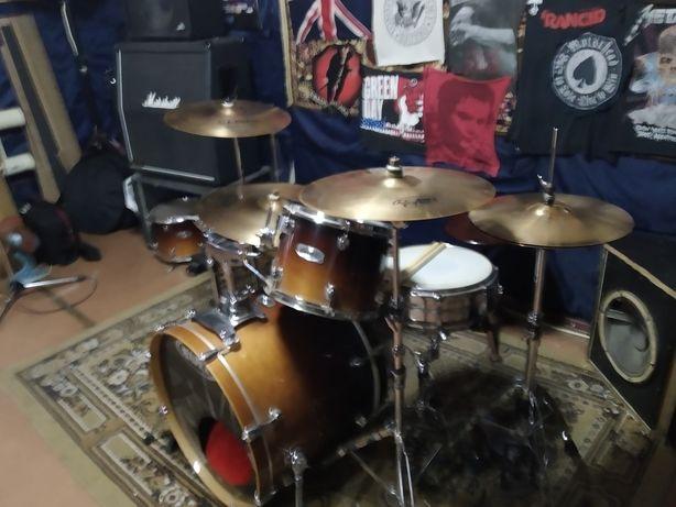 Ищу барабанщика, драмера
