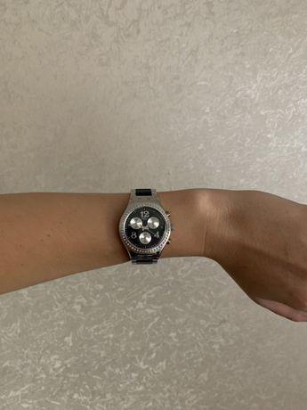 Женские часы Swatch