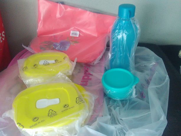 Conjunto Tupperware c/ oferta saco de praia