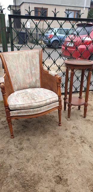 Fotel tapicerowany z rafią z
