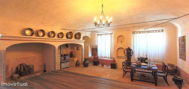 Quinta com Casa senhorial datada do final do Século XVI - Cuba