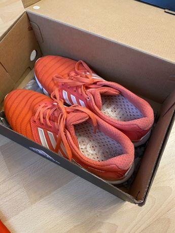Кроссовки adidas в сетку