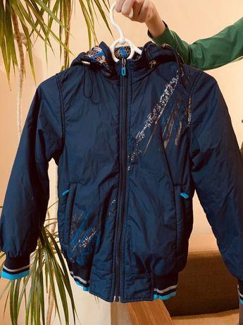 Куртка дитяча осіння.