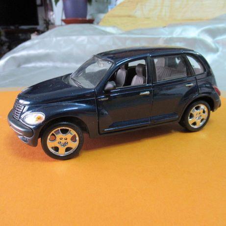 Chrysler Cruiser 2000 esc:1.24 Maisto novo