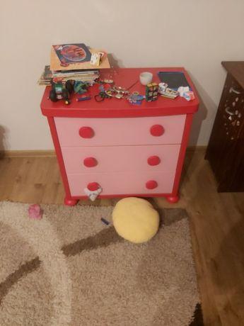 Meble dziecięce dla dziewczynki