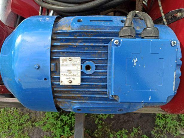 Продам єлектродвигун 380 в 22 кВт ,2950об/хв.