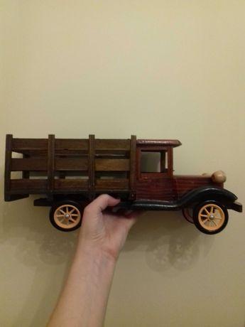 Samochód drewniany