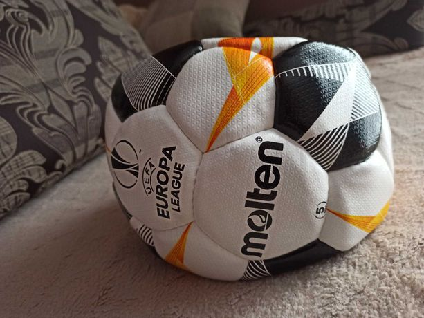 Piłka nożna Molten UEFA
