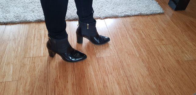 czarne botki na obcasie 36