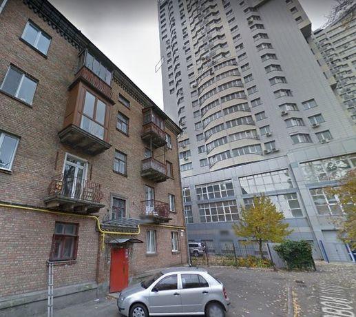 Продажа 2-комнатной сталинки возле метро Шулявская