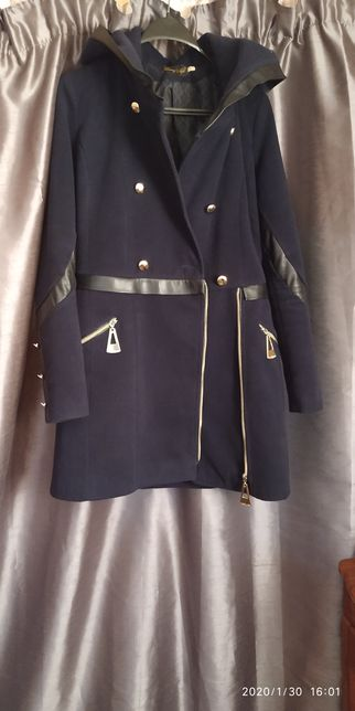 Пальто     жіноче.