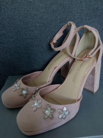 Różowe zamszowe buty na słupku 37