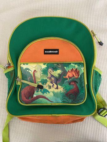 mochila para a escola de criança