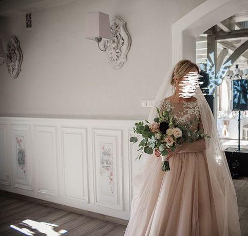 oryginalna suknia pudrowa ślubna księżniczka zlota beza zjawiskowa