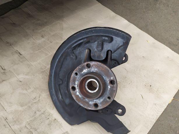 Рено Меган 2 поворотный кулак правый + диски тормозные