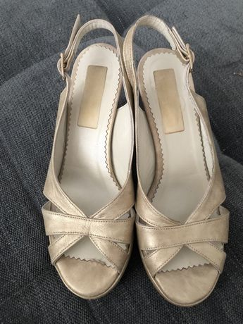 NOVOS Sandalias Sapatos dourados bege cerimonia Aerosoles Fatima Alves