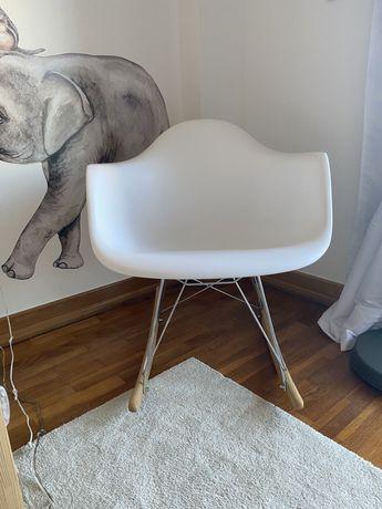 Cadeira de baloiço nórdica