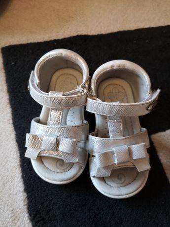 Sandałki dka dziewczynki R 21