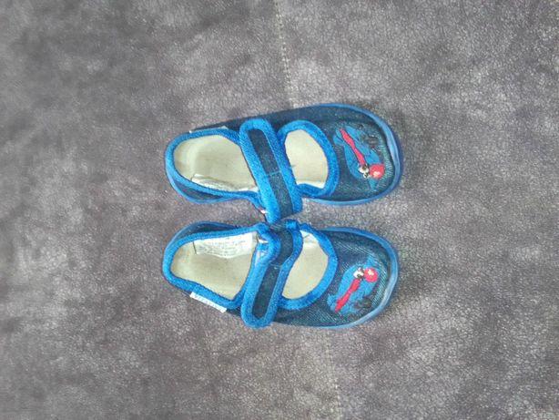 Тапочки и кросовки