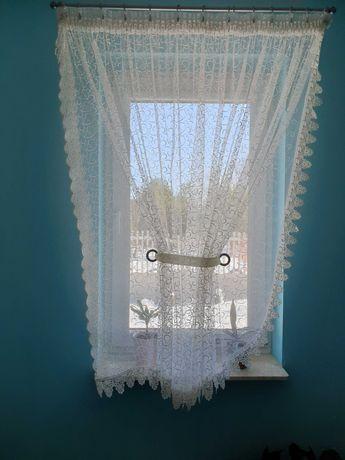 Dwie firanki na wąskie okna taśma
