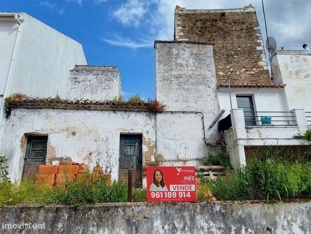 Casa Antiga em Avis
