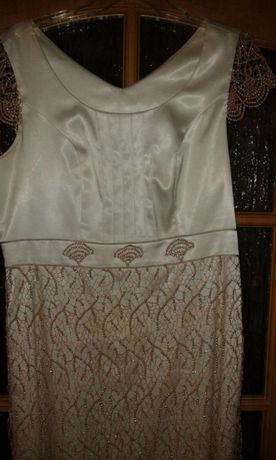 Elegancka sukienka z wdziankiem wysyłka gratis