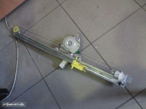 Elevador com motor 91165705F OPEL / VIVARO / 2006 / FD /