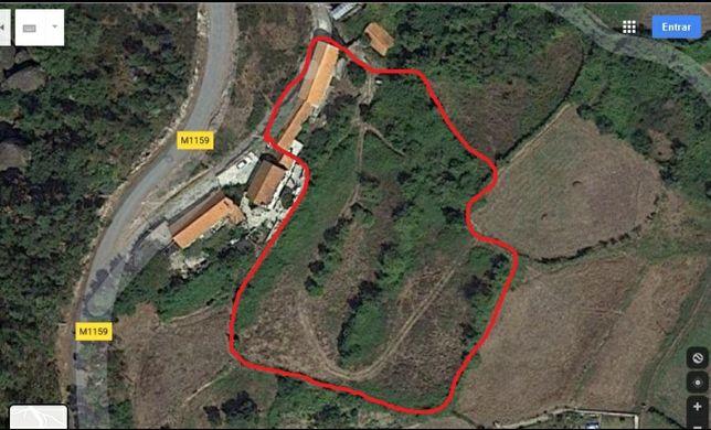 Casa antiga 2680 m²para restauro com terreno