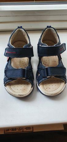 Кожаные детские сандалики