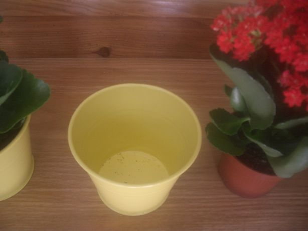 Vaso decorativo metálico amarelo lindo novo