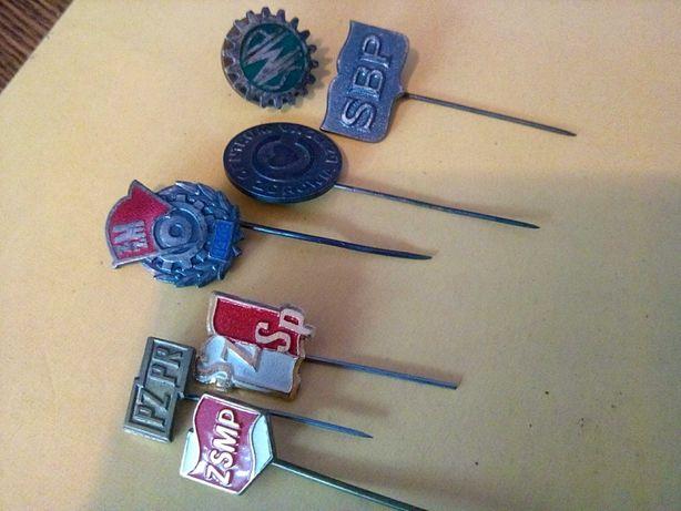 Odznaki związkowe różne rodzaje.