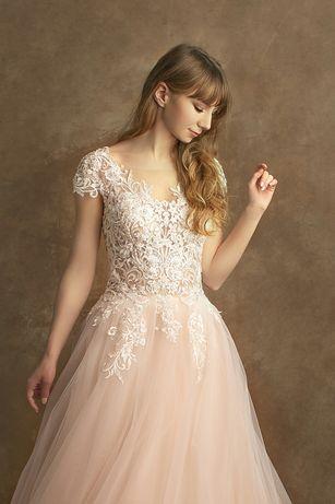 Suknie ślubne sprzedaż, szycie na wymiar w dobrych cenach