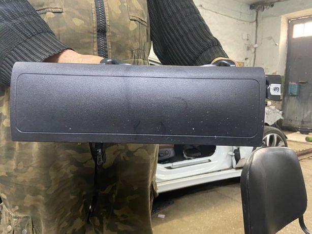 Airbag эйрбег в колени ноги Audi 4G8880841A