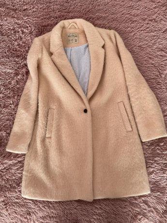 Пудрове пальто Pull and Bear, L