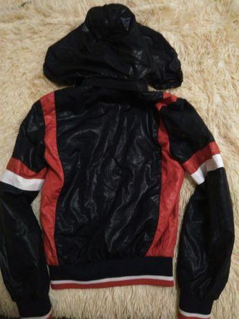 Спортивна куртка вітрівка