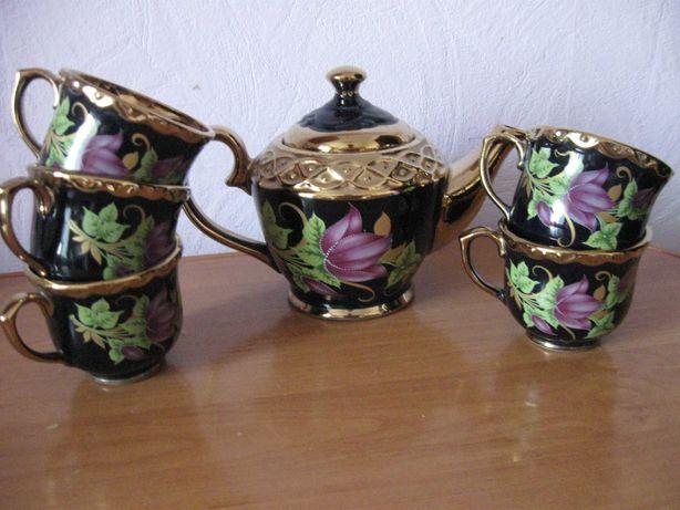 чайный набор чайник заварник и чашки 5 штук черно -золотой  цвет