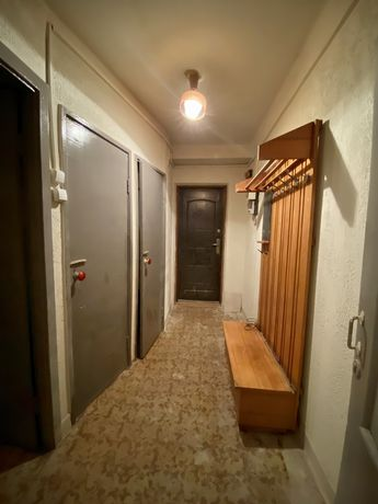 Сдам 2-х комнатную квартиру (без ремонта)