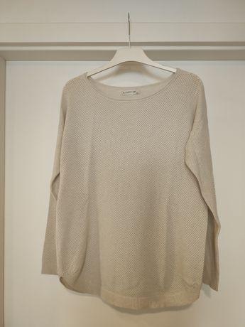 Jasnobeżowy sweter