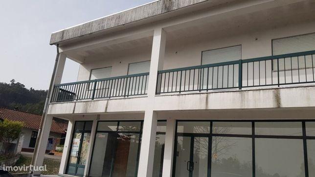Edifício para Serviços ou transformar em Moradia