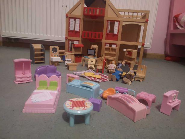 Domek drewniany dla lalek + mebelki