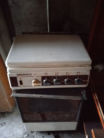 Газова плитка працює  стан по фото розмір 50 духовка на газ  колір