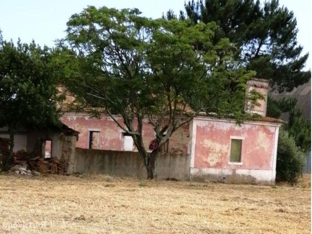 Terreno Misto Lau com ruína e furo