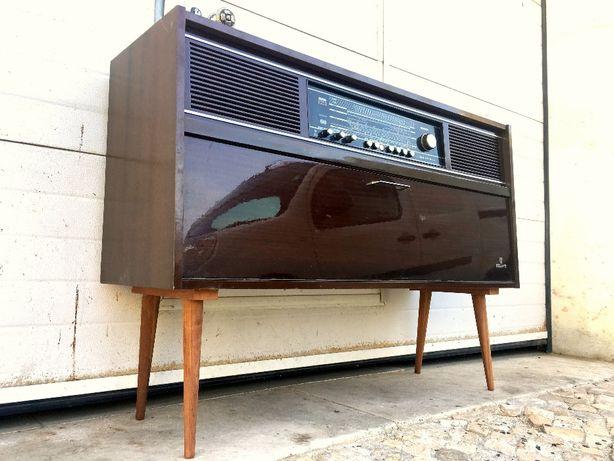 Radio aparador grundig 118comp X 36prof X 84.5alt.