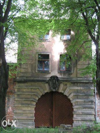 Zabytkowy pałac, dworek Górny śląśk
