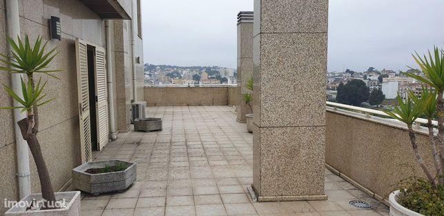 T4 Duplex – 280m2 + Terraços 233m2 – Centro São João da Madeira