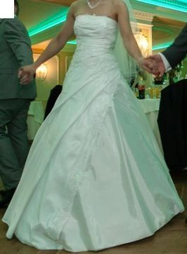 Piękna suknia ślubna rozm. 36, wyprana + gratis welon
