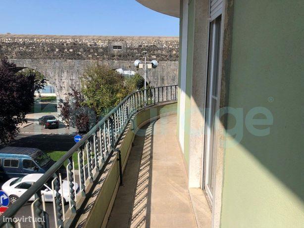 T3 Damaia de Baixo com excelentes varandas