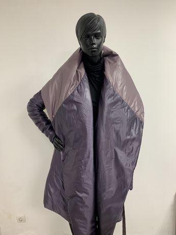 Пальто для стильних жінок з карманами подовжений рукав з поясом гарний